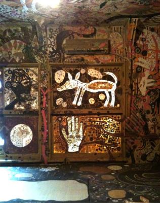 浅井祐介 壁画《泥絵シリーズ》, 2010,  「あいちトリエンナーレ」長者町での展示