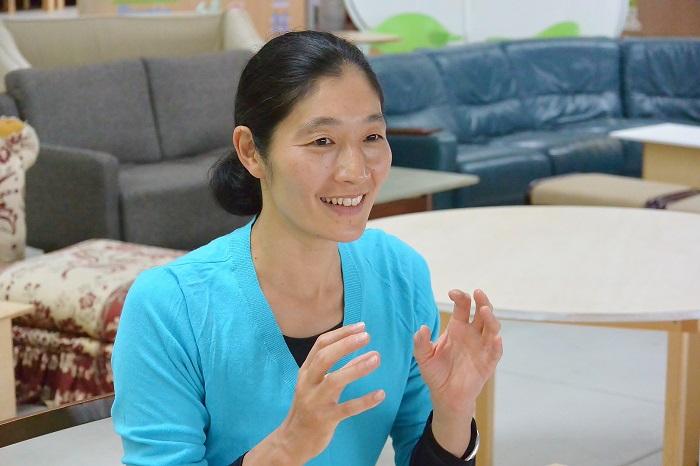 音楽は中村さんのダンスにとって、もうひとつの人格のようなものなんだそう。「例えばそこに音があってもなくても、身体が作り出すリズムや緊張感は、音楽的なものだと思う。ダンスにとって音楽的であるということは重要なこと」。