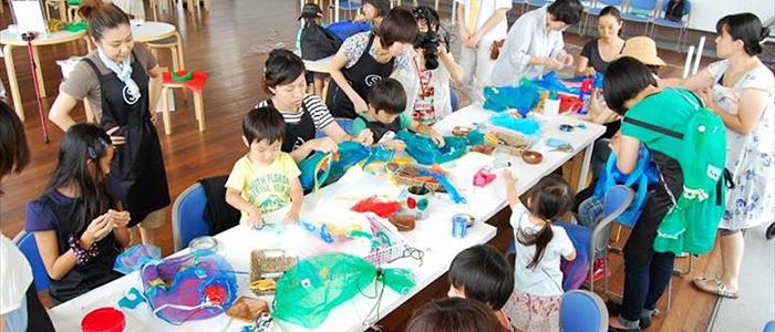 2013年7月に行った子どものためのワークショップ「お魚バッグをつくろう」