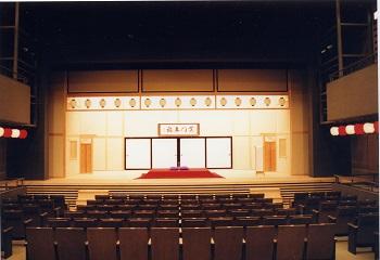 横浜にぎわい座 芸能ホール(空高座/正面 めくり)