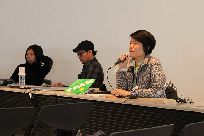 舞台芸術AIRミーティング セッション3「アジアのアーティストが考えるAIR」で話すチョン・ウニョン(右) (2/16@YCC 3F)