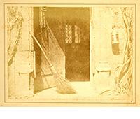 「開いた扉」(『自然の鉛筆』より) ウィリアム・ヘンリー・フォックス・タルボット著