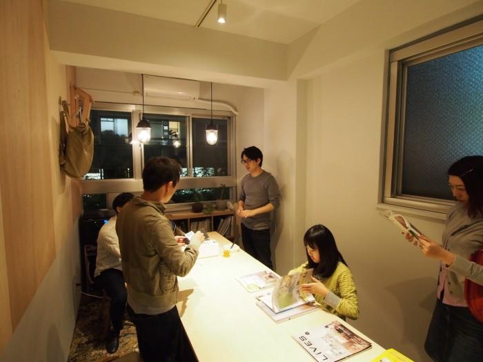 「オンデザイン」から独立した稲山貴則さん(稲山貴則建築設計事務所)と、加藤秀基さん(JAM+)が入居する301号室。泰生ポーチでは内装のリノベーションを入居者自らが手がけます。