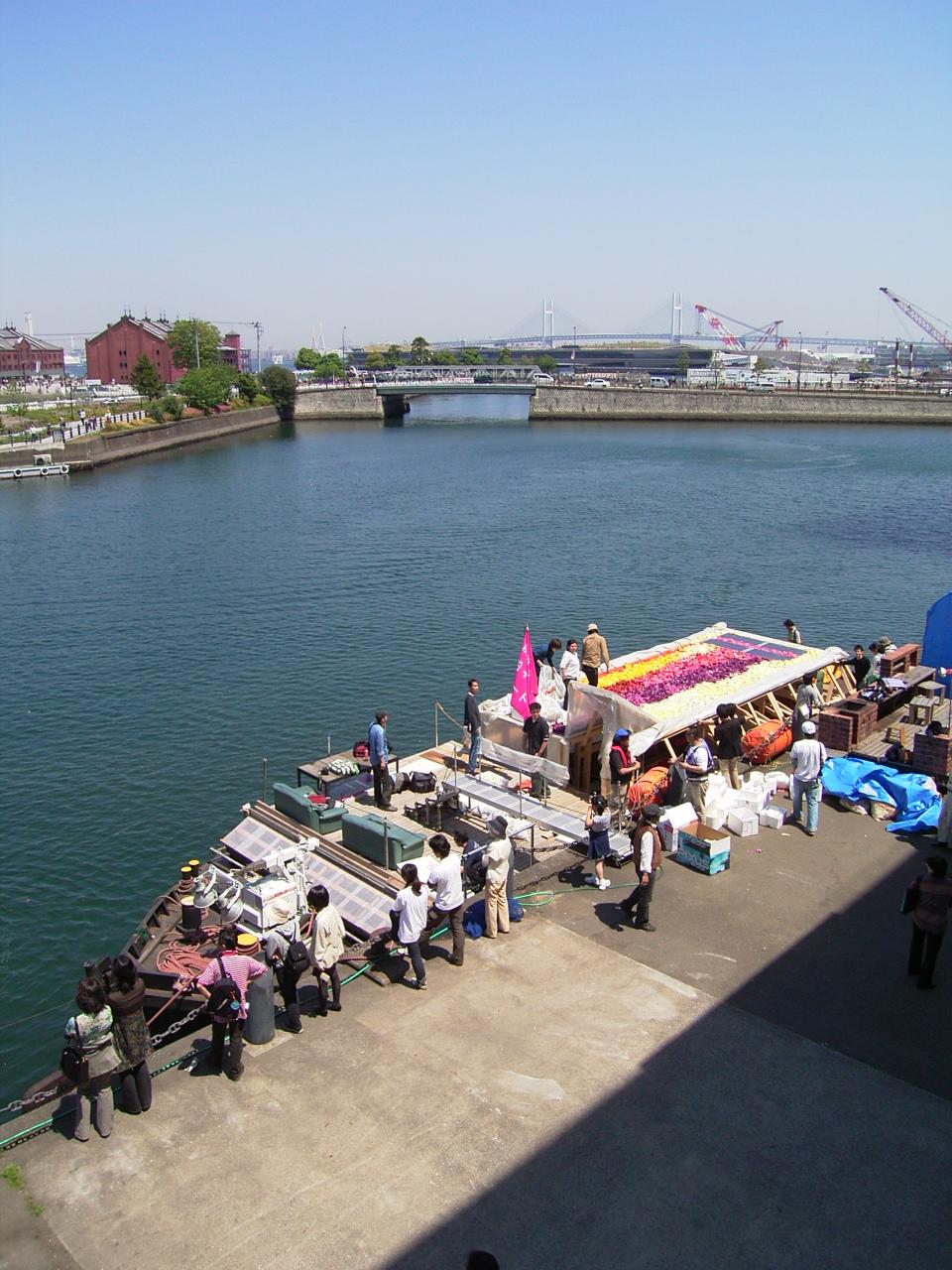 念願のBankART NYK護岸に「防災船」として短期係留。