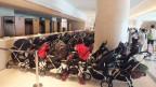 「0歳からのオルガンコンサート」開催時にはエントランスにベビーカーが並ぶ