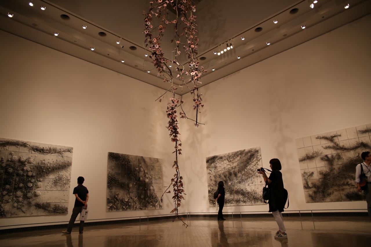 蔡國強展「帰去来」(横浜美術館) Photo:OONO Ryusuke