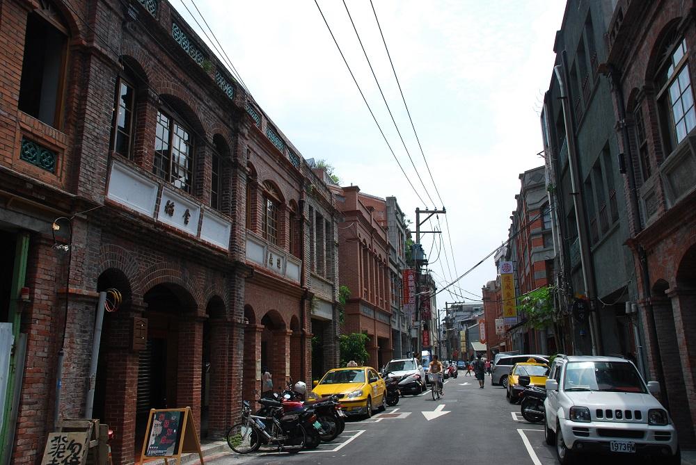 迪化街北部。街並みはかなり整ってきた。