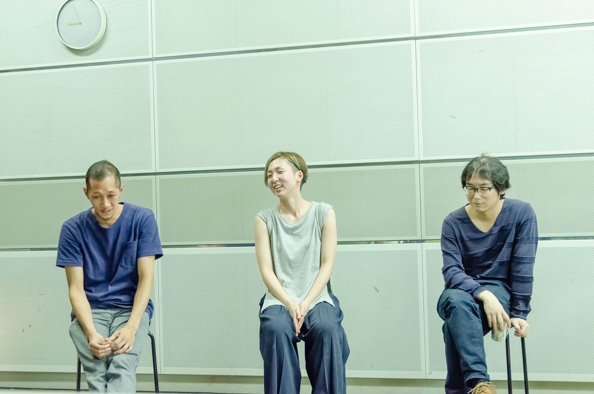 左からダンサー・ibis、ダンサー/振付家・Rie Tashiro、音楽・山口紘 撮影:須藤崇規