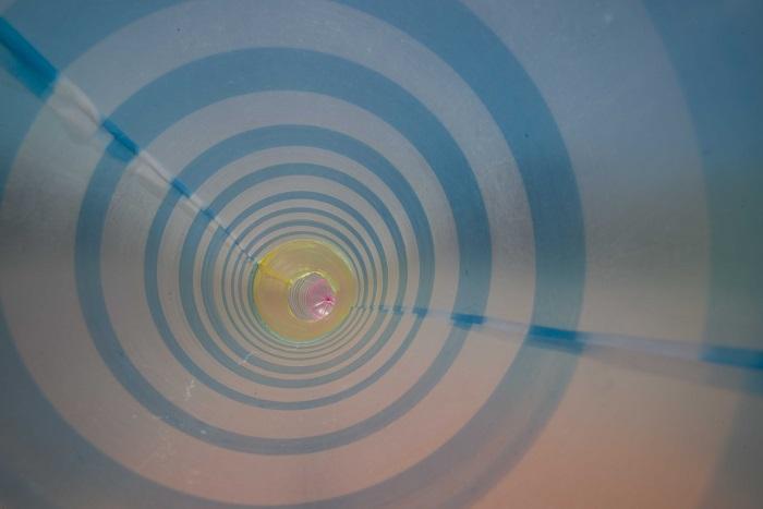 《ヘビの尻尾》2015年、ビデオ・インスタレーション(3面)より(部分)© UuDam Tran Nguyen
