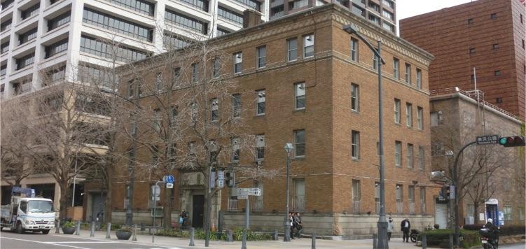 旧関東財務局ビル。歴史的建造物の新しい活用例として期待がかかる。
